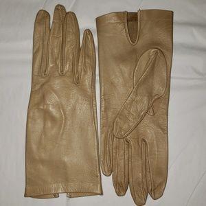 Accessories - Vintage Deerskin Cream Gloves XS